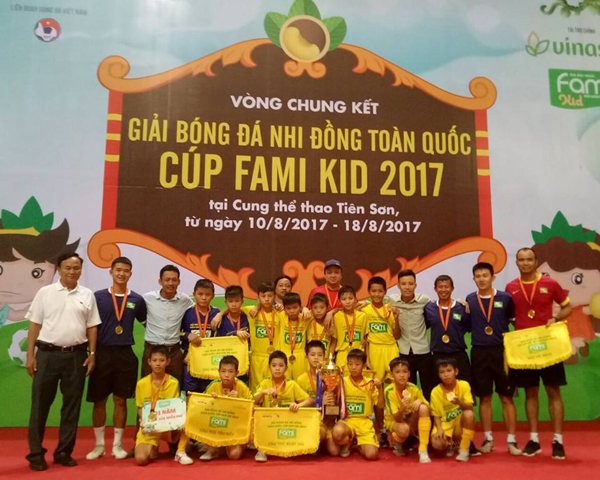 Sông Lam Nghệ An vô địch giải Bóng đá U11 Toàn Quốc 2017