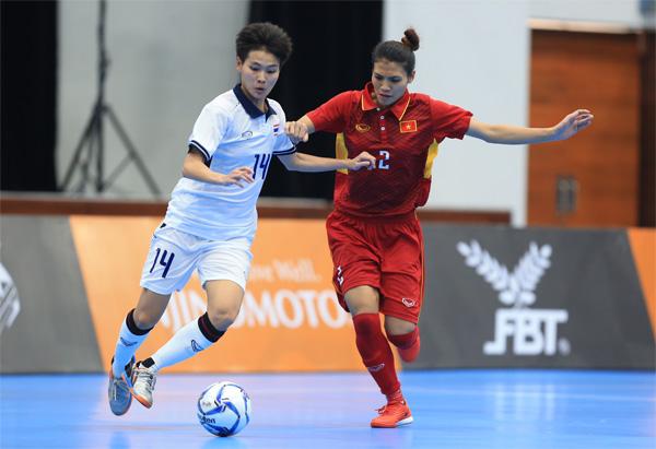 Futsal nữ SEA Games 29: Việt Nam không thể tạo bất ngờ trước Thái Lan