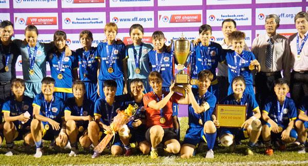 Than KSVN lên ngôi vô địch giải bóng đá nữ U19 Quốc gia 2017