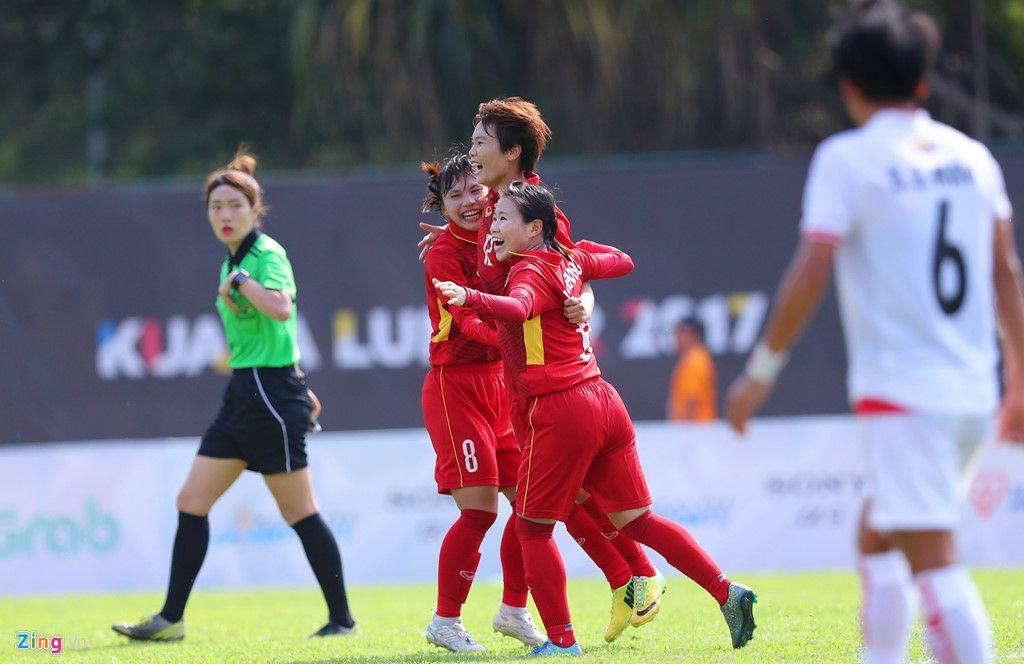 Đồng hành cùng đội tuyển nữ Việt Nam tại SEA Games 29: Nỗi lòng người con gái!