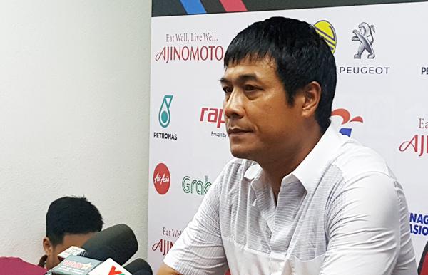 HLV Nguyễn Hữu Thắng xin lỗi NHM, nói lời chia tay cương vị HLV trưởng