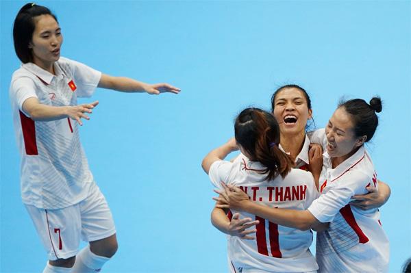 [Futsal nữ SEA Games 29] Đánh bại Myanmar 4-1, Việt Nam giành trọn 3 điểm
