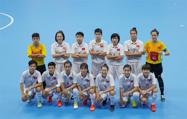 Đồng hành cùng đội tuyển Futsal nữ Việt Nam tại SEA Games 29:Vui cùng Đội tuyển nữ nhưng xin đừng quên Futsal nữ