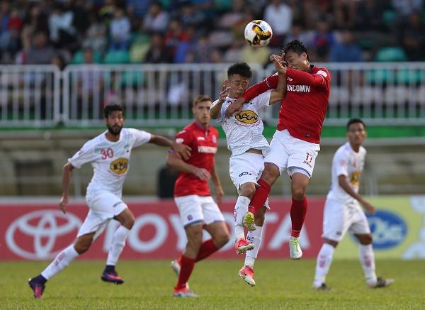 Kết quả vòng 17 Toyota V-League 2017: FLC Thanh Hóa lỡ nhịp, Hà Nội áp sát ngôi đầu