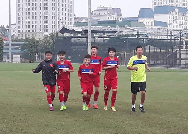 Đội tuyển U19 nữ Quốc gia tập trung, khởi động nhẹ ngay trong ngày đầu hội quân
