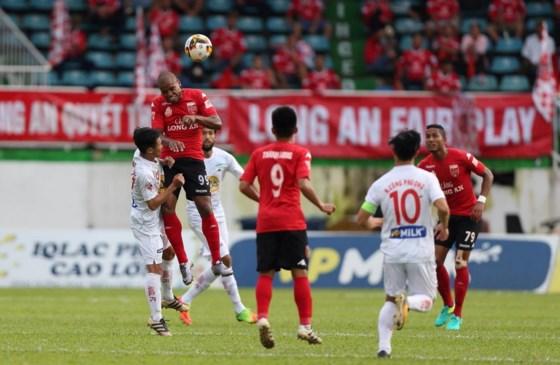 Kết quả Vòng 18 Toyota V-League 2017: Long An