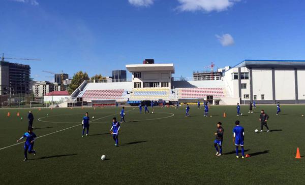 ĐT U16 Việt Nam làm quen sân chính, tập trung cho trận ra quân