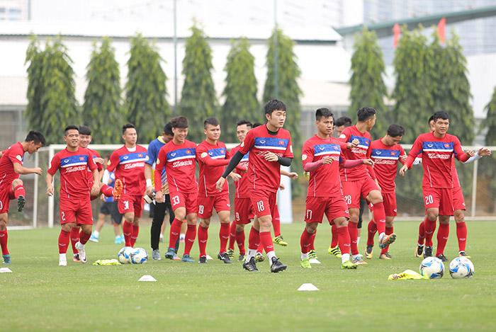 ĐT Việt Nam hào hứng trong buổi tập đầu tiên với tân HLV trưởng Park Hang Seo