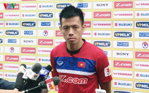 """Đội trưởng Nguyễn Văn Quyết: """"Triết lí bóng đá của HLV Park Hang Seo là đề cao tính kỷ luật"""""""