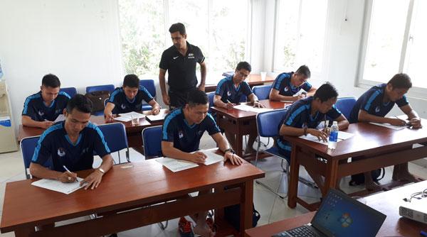 Bế giảng khóa học HLV thể lực Futsal cấp 1 AFC 2017
