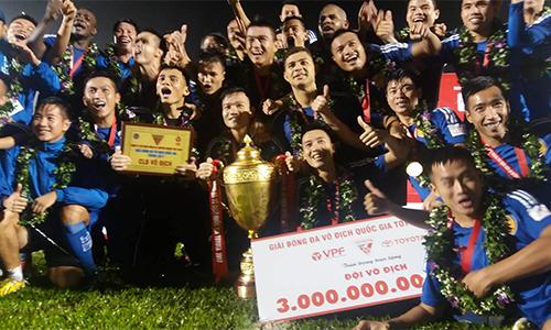 V-League 2017 kết thúc đầy kịch tính, Quảng Nam FC lần đầu đăng quang ngôi vô địch