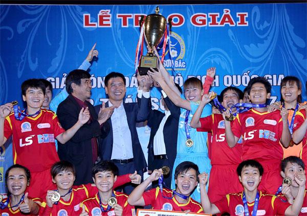 TP Hồ Chí Minh I bảo vệ thành công chức Vô địch giải bóng đá nữ VĐQG - Cúp Thái Sơn Băc