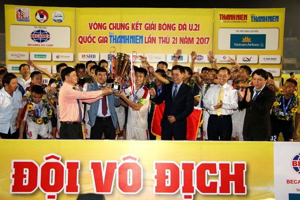 Thắng đậm Viettel 3-0, HAGL đăng quang ngôi vô địch U21 Quốc gia Báo Thanh Niên 2017
