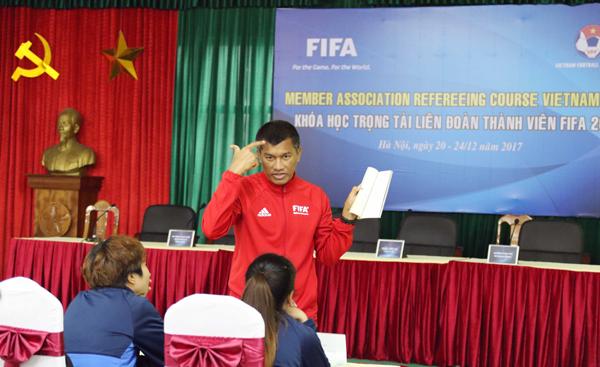 Bế giảng khóa trọng tài hàng đầu Việt Nam: Thêm kiến thức, thêm tự tin