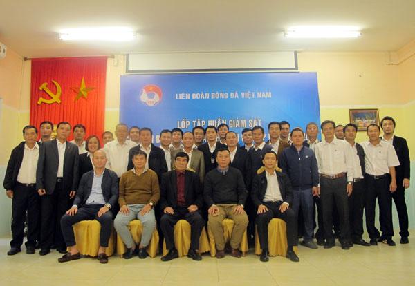 Khai mạc lớp tập huấn giám sát trận đấu các giải bóng đá ngoài chuyên nghiệp Quốc gia năm 2018