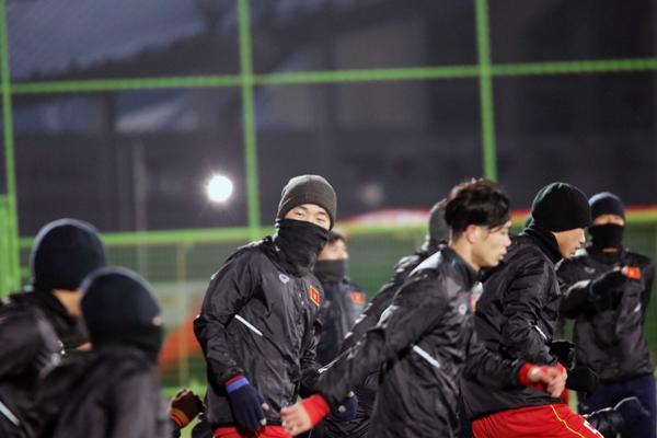 U23 Việt Nam gồng mình tập luyện dưới cái lạnh 0 độ C tại Côn Sơn