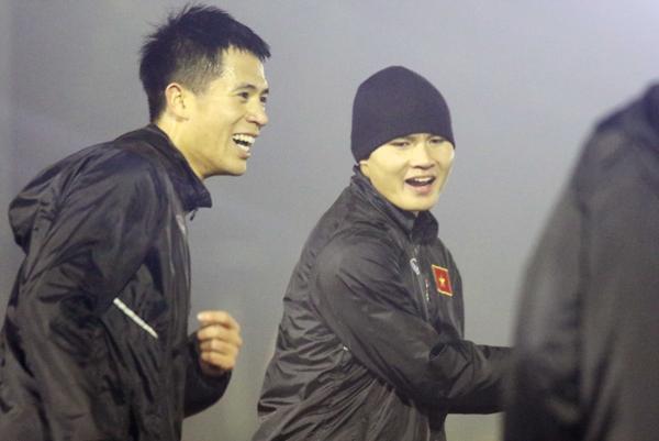 Gặp khó vì sân tập thiếu sáng, U23 Việt Nam vẫn tự tin vào sự chuẩn bị cho trận đấu với Syria