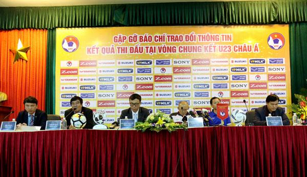 """HLV trưởng Park Hang Seo: """"May mắn chỉ xảy ra 1-2 lần, không thể may mắn đến trận chung kết được"""""""