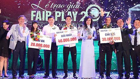 Văn Toàn nhận giải Fair-play 2017