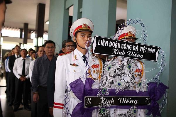 Đoàn đại biểu LĐBĐ Việt Nam kính viếng cố Thủ tướng Phan Văn Khải