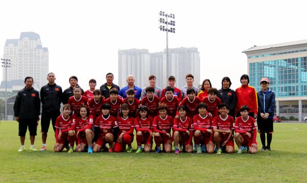 Đội tuyển nữ Quốc gia lên đường sang Đức tập huấn