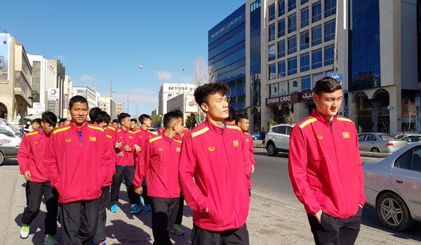 ĐT Việt Nam thích nghi nhanh với điều kiện tại Jordan