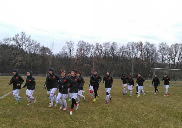 Đội tuyển nữ Việt Nam sẽ chơi phòng ngự chặt trước CLB Bayern Munich