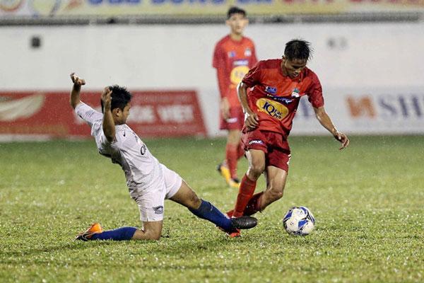 Thi đấu tự tin, U.19 HAGL thắng ngược Chonburi của Thái Lan
