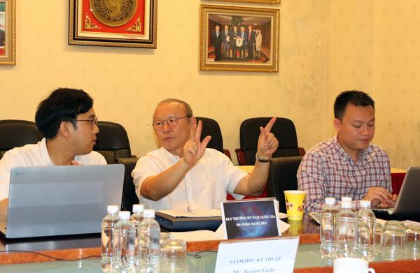 HLV Park Hang-seo làm việc với VFF về kế hoạch của ĐTQG & U23 QG