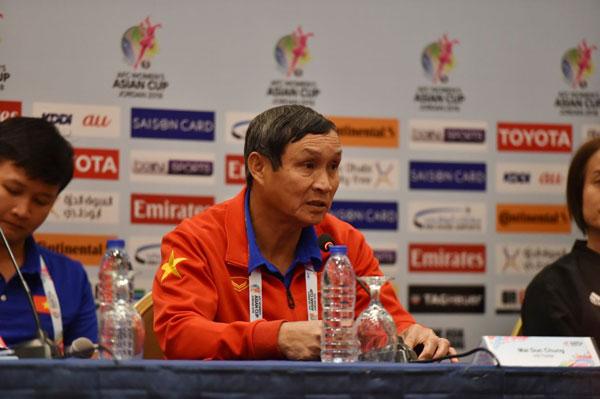 """HLV Mai Đức Chung: """"Đội hình chúng tôi hôm nay không tốt nhưng các cầu thủ cũng đá cố gắng hết sức"""""""