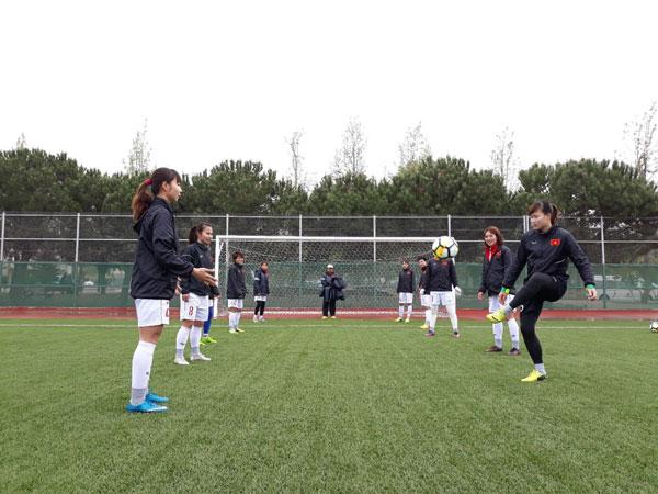Tuyển nữ Việt Nam giữ tâm lý thoải mái trước trận với Hàn Quốc