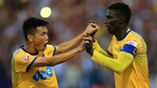 FLC Thanh Hóa tạo 'mưa bàn thắng' với Yangon Utd