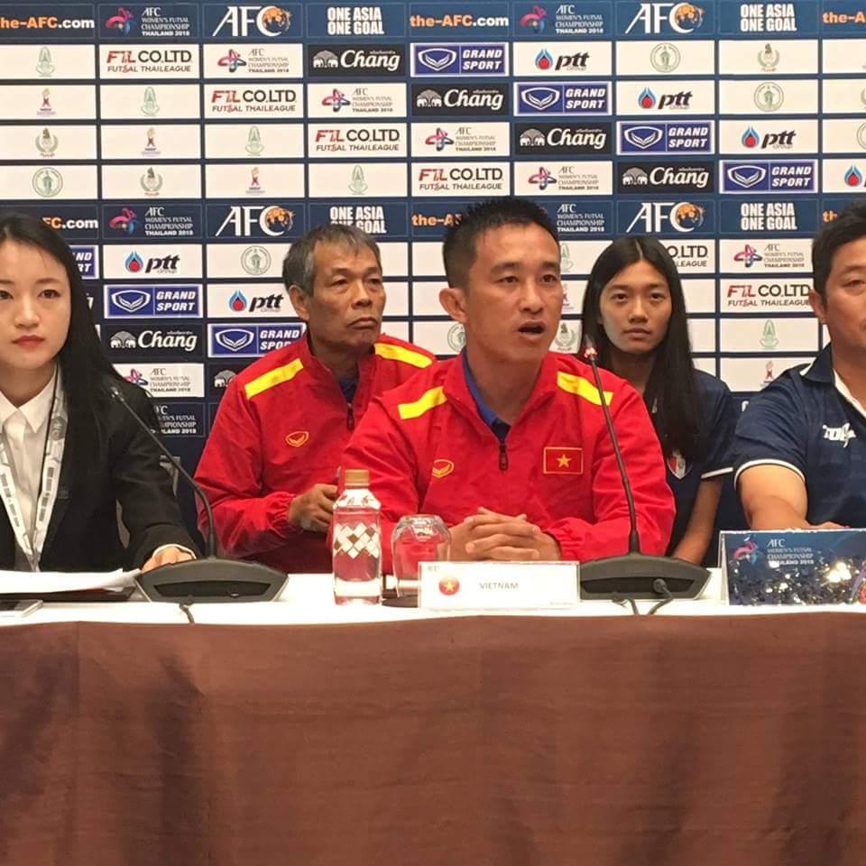 HLV trưởng Trương Quốc Tuấn: Đội tuyển Futsal nữ Viêt Nam quyết tâm giành 3 điểm trước Đài Bắc Trung Hoa