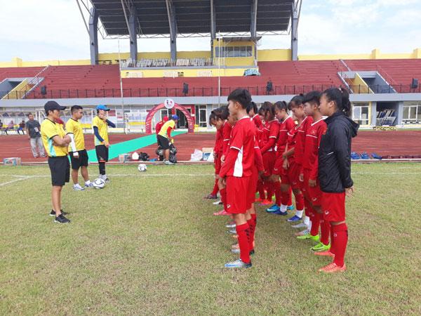 Đội tuyển U16 nữ Việt Nam tập trung cho trận đấu gặp U16 nữ Singapore