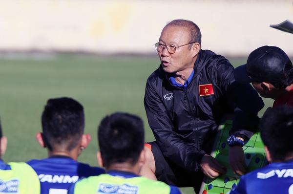 HLV Park Hang-seo dự Lễ bốc thăm VCK Asian Cup 2019