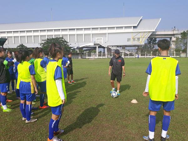 Đội tuyển U16 nữ Việt Nam tập trung cho trận gặp Philippines