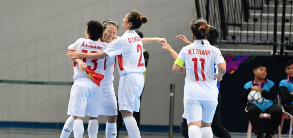 VCK Futsal nữ châu Á 2018 (bảng B): Thắng Malaysia 3-1, tuyển Việt Nam giành quyền vào tứ kết