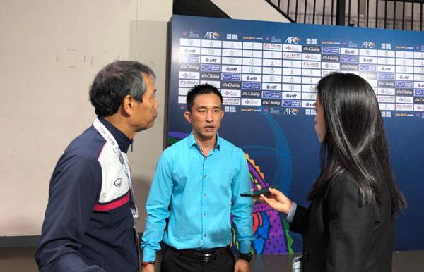 HLV Trương Quốc Tuấn chúc mừng đội tuyển Futsal nữ Việt Nam lọt top 4 đội mạnh nhất châu lục