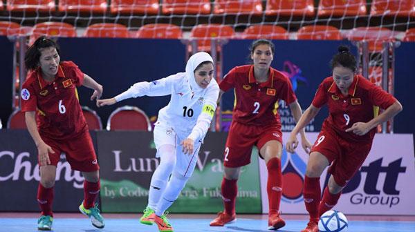 VCK Futsal nữ châu Á 2018: Thua Iran 0-5, Việt Nam tranh huy chương Đồng