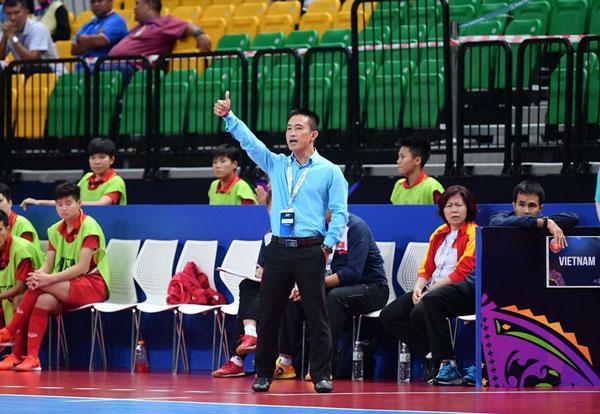 """HLV Trương Quốc Tuấn: """"Đội tuyển Futsal nữ Việt Nam giữ nòng cốt chuẩn bị cho SEA Games 2021"""""""
