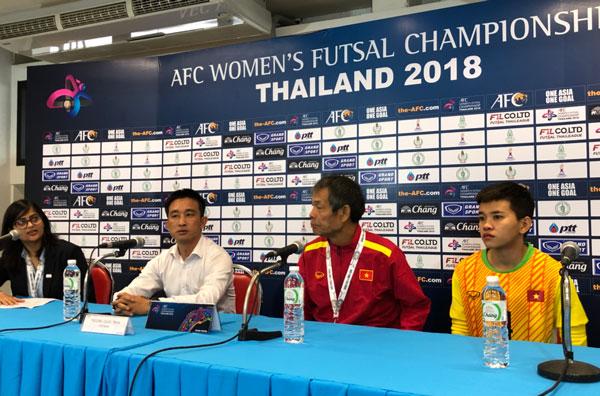 HLV trưởng Trương Quốc Tuấn: Futsal nữ Việt Nam dần rút ngắn khoảng cách với Thái Lan
