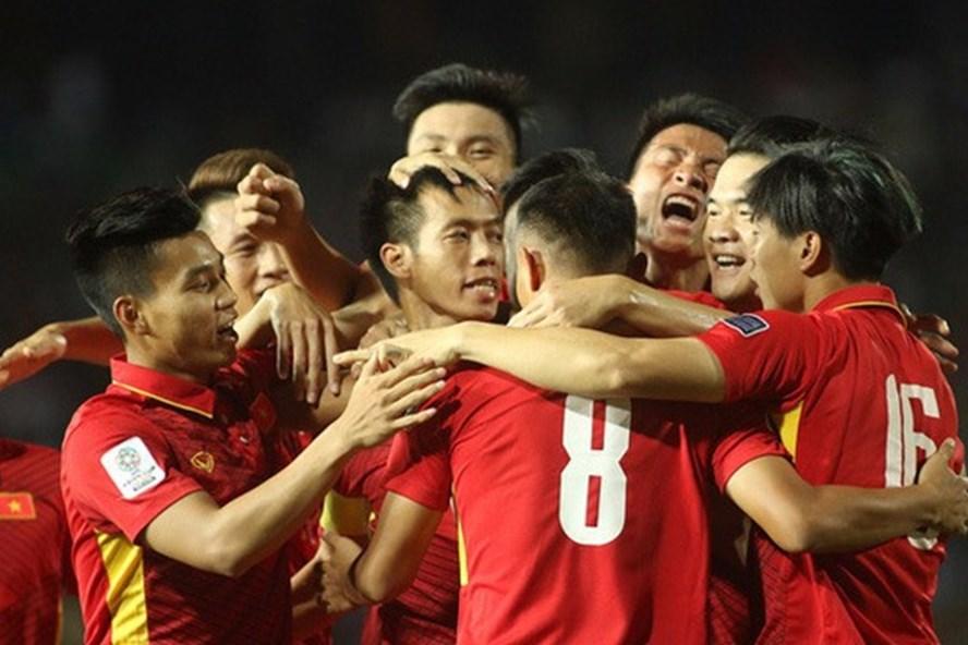 ĐT Việt Nam tăng 1 bậc trên BXH FIFA tháng 5/2018, áp sát tốp 100