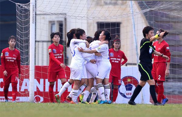 Khai mạc lượt đi giải BĐ nữ VĐQG - Cúp Thái Sơn Bắc 2018: Hà Nội & TP HCM I có 3 điểm đầu tiên