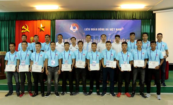 Bế giảng lớp tập huấn trọng tài các giải bóng đá trẻ quốc gia 2018