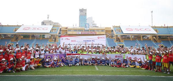 """SCG và CLB Hà Nội tổ chức chương trình """"Bóng đá và Sẻ chia"""" chào mừng ngày Quốc tế thiếu nhi"""
