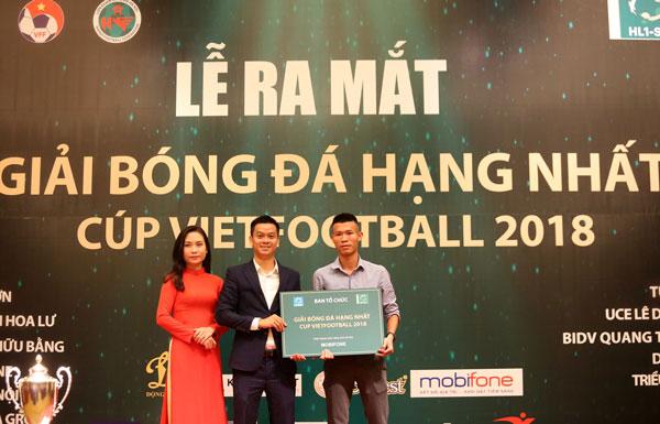 12 đội tham dự Giải Bóng đá hạng Nhất - Cúp Vietfootball năm 2018