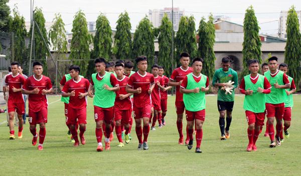 ĐT U19 Việt Nam tập huấn tại Học viện bóng đá Quảng Châu Evergrande