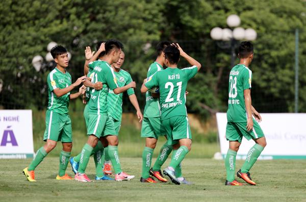 Kết quả lượt trận thứ 11 bảng A và 7 bảng B giải Bóng đá hạng Nhì Quốc gia 2018, ngày 20/6: Nam Định đã có điểm