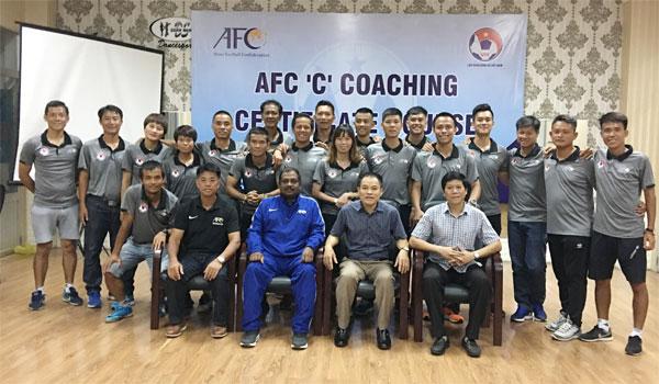 Bế giảng khoá học HLV chứng chỉ C AFC tại Đà Nẵng năm 2018