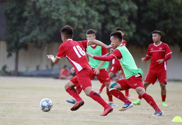 U19 Việt Nam trở lại sân tập, quyết giành trọn 3 điểm trước Philippines